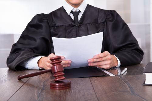 DECRETO INGIUNTIVO CONSEGNA EX ART. 119 TULB: deve essere revocato se concesso a favore del socio e non della società
